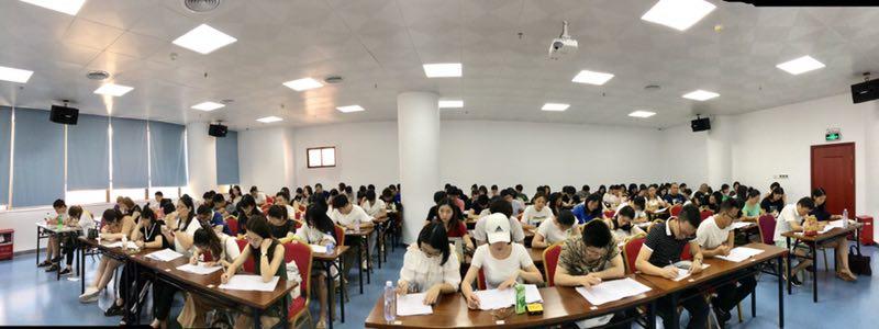 深圳在职学习中心成考学生期末考试