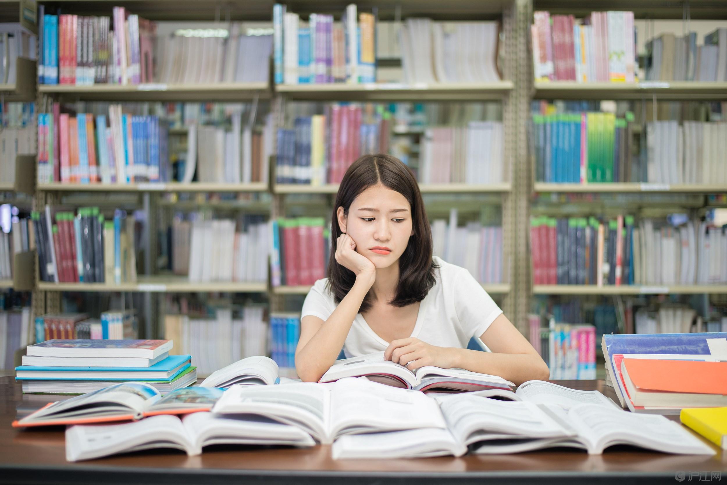 深圳成考英语如何备考如何做好选择题